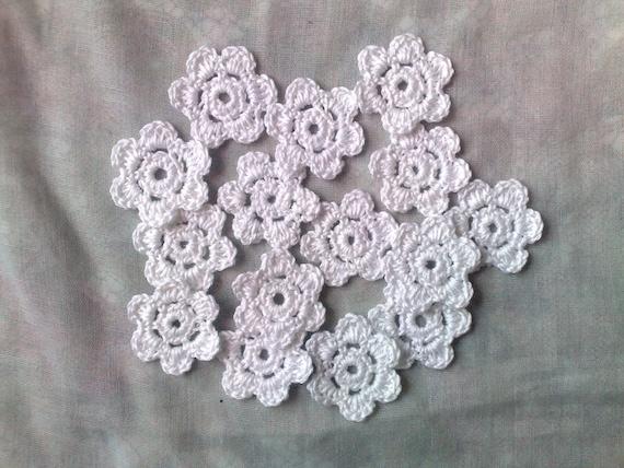 Flower white crochet flowers, 15 small crocheted flower applications