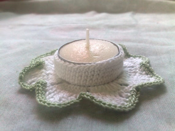 Crochet Candle Holder in white with light green border