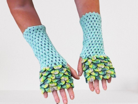Dragon scale crocheted gloves fingerless atmstulpen color turquoise fashionable accessory
