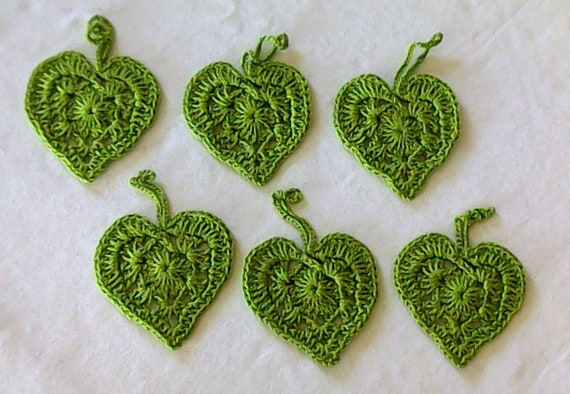 Crocheted hearts made of light green cotton, 6 pieces to decorate your gifts
