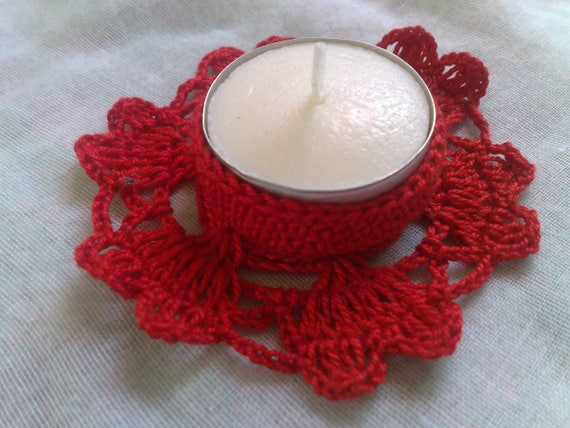 Valentine's Day gift crochet candle chandelier with red hearts