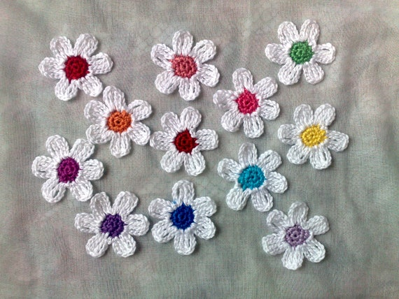 White Crochet Flowers with colorful Flower Stamps, 12 Flowers for Decorating Hats and Clothing