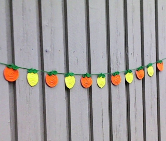 Crochet lemon garland, handmade bunting, rustic decoration, living room, nursery or kitchen wall hangings