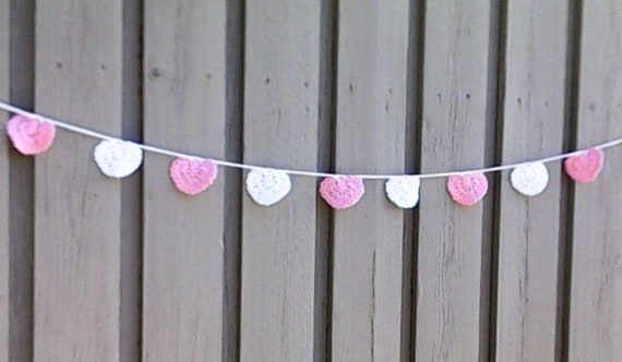 Crochet hearts garland, Valentine's Day pink white hearts garland, wedding decorations, Valentine's Day décor, decoration