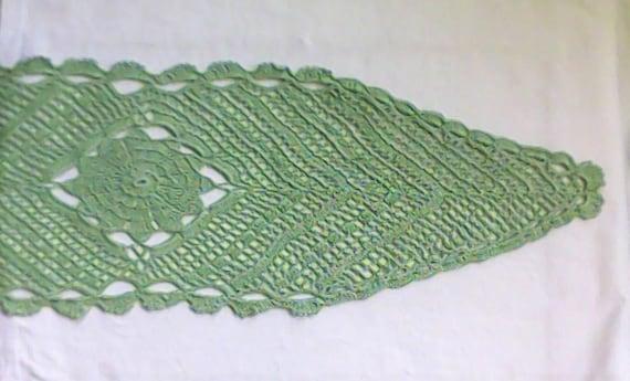 "Oval crochet cover in light green pastel colour 10 ""x 32"", 25 cm x 82 cm"