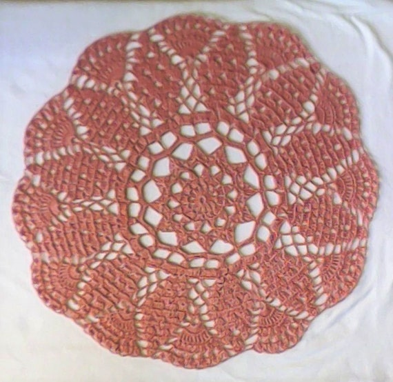 Coffee Table Crochet lace lid In old pink Cotton 16.5 ""