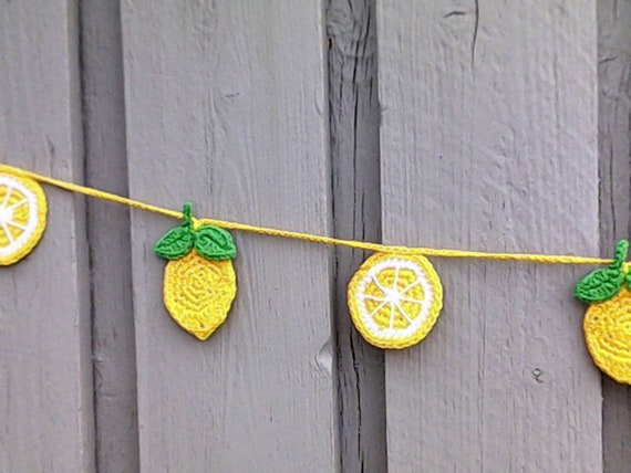 Crochet lemon garland, handmade bunting, rustic decoration, living room, nursery or kitchen wall hangings, citrus crochet