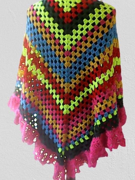 Hand crocheted triangle towel in boho style wrap, colorful colors thick wool