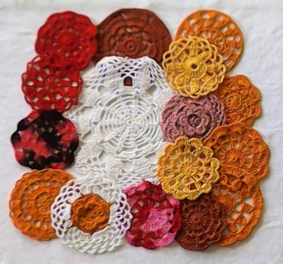 Vintage crochet rust-colored medallions crochet 16 dyed small doily, set of 7.5 cm to 17 cm