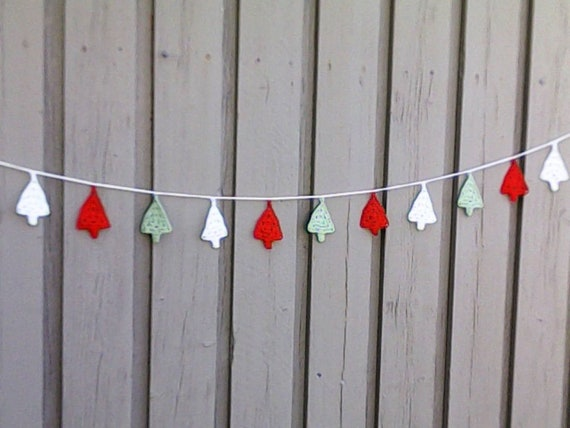 Crochet Christmas garland with 11 Christmas trees for tree hanging and Christmas decoration