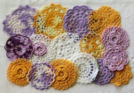 Vintage crochet 16 crochet doily, 7, 5 to 12 cm doily in white, purple and yellow colors, small craft doily