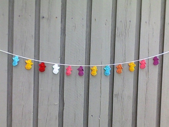 Angel garland, crochet garland with 12 small colorful angels for tree hanging, Christmas decoration and nursery