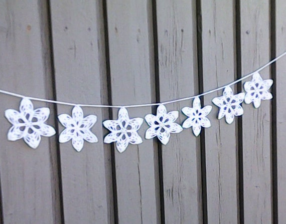 Snowflake garland, crochet white Christmas garland with 7 large stars for tree hanging and Christmas decoration
