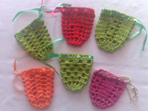 Easter decoration eggs crocheted for the Easter bouquet, 6 covers in green, pink, red and orange