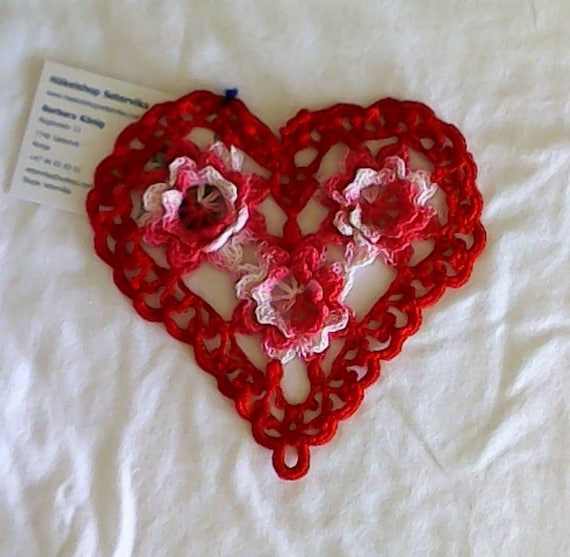 Thanksgiving Red crochet heart cover with 3D crochet flowers in pink and white