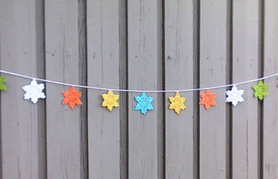 Garland with 10 crocheted stars in different colors