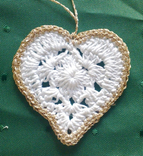 Crochet tree hanging, crochet hearts for Christmas tree decoration Christmas gift for parents