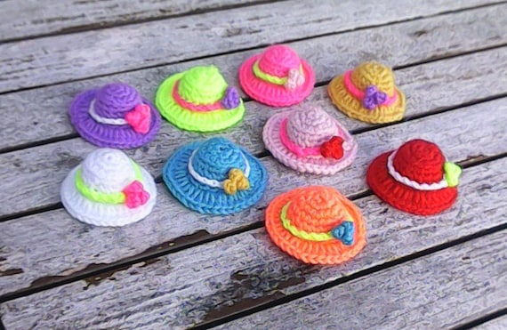 1 piece miniature hat with embellishment, crochet mini hat, handmade hats, dollhouse miniature, nursery embellishments