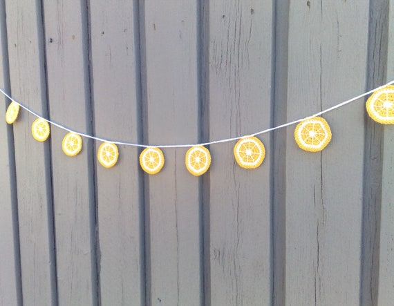 Lemon garland crochet, lemon slice bunting summer party decoration lemonade stand accessories home décor kitchen fruit decoration nursery