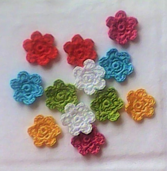 Colorful Crocheted MIniblumen, 12 Pieces