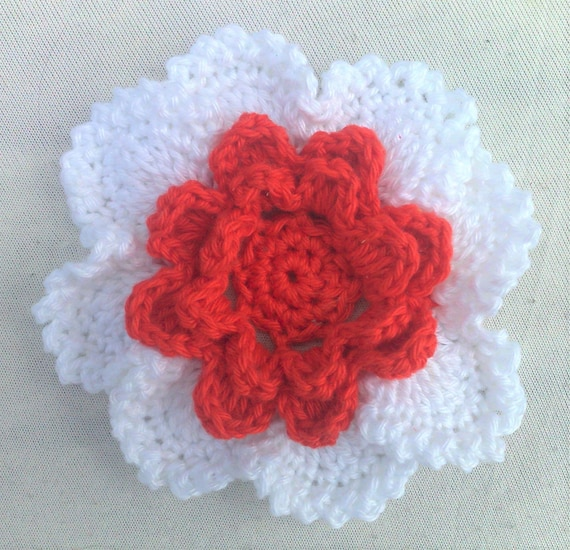 Application of hand crochet floral decoration cotton 3.5 inches