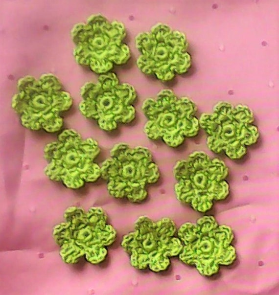12 green Flowers crochet for Decorating cards