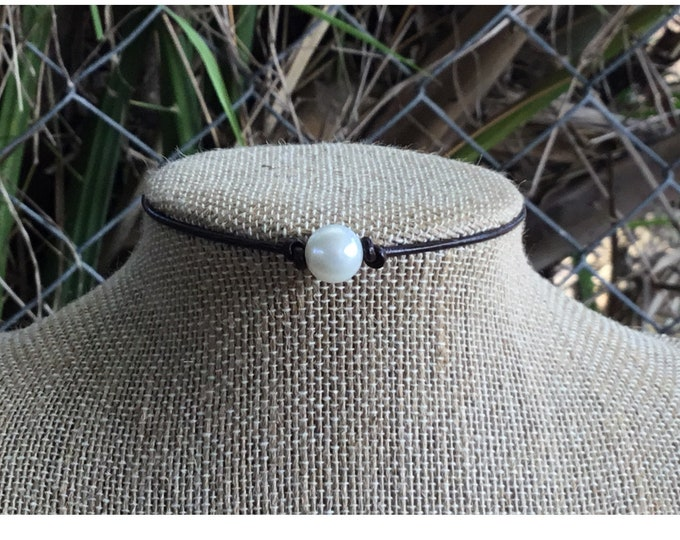 Leather Pearl Choker, Real Pearl Necklace, Single Pearl Choker Necklace, Boho, June Birthstone, Affordable Christmas Gift,  Gift For Her