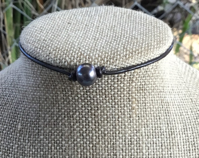 Leather Pearl Choker, Sterling Silver Hardware, Black Pearl, Adjustable Choker Necklace, Gift, Gift For Her, Jewelry Box, Free Shipping