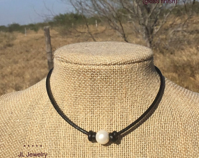 Leather pearl necklace,, 2mm leather cord, Single white pearl choker necklace, Affordable gift, Free shipping, Jewelry box included
