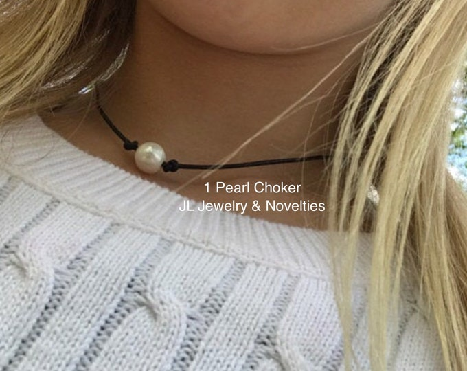 Leather Pearl Choker, Single Freshwater Pearl Choker ,Boho, June Birthstone, Affordable Christmas Gift, Gift Bag