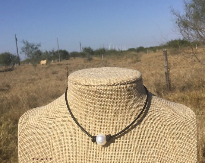 Leather Pearl Choker, Leather Pearl Necklace, Single Pearl Choker Necklace, Real Pearls, June Birthstone, Affordable Gift, Gift For Her