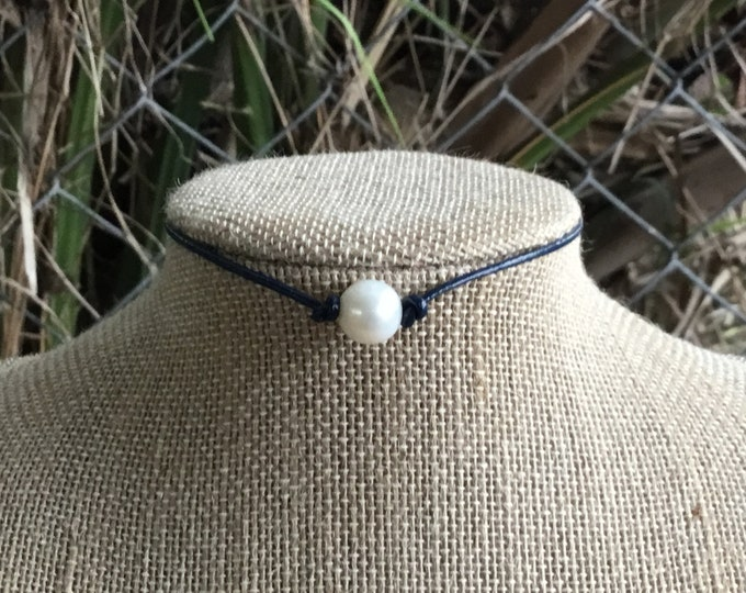 Navy Blue Leather Pearl Choker, Pearl Necklace, Boho necklace, June Birthstone, Affordable Christmas Gift, Birthday Gift, Gift Bag