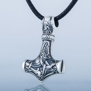 Norse Pagan Jewelry Viking Amulet with Handcarved Serpentine Natural Stone Thors Hammer Pendant Mjolnir Pendant Necklace