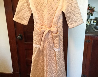 d253517b85 Delicate vintage pale pink women s small dressing gown