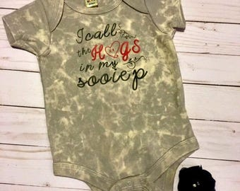 Arkansas Razorback Onesie, I call the hogs in my sooiep, Baby Shower Gift Idea, Hogs, New Born Outfit, Head Band, Footsie Bands