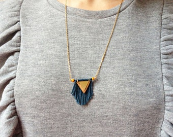 Necklace sautoir-boheme-triangle-liege-franges-perles Andromeda seed