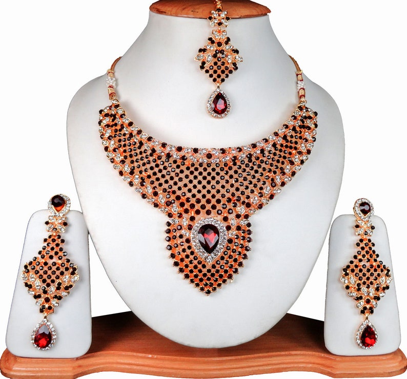Maroon CZ Diomand Choker Set Amazing Bride Beauty Indian Partywear Jewelry Necklace Earrings With Maangtikka Traditional Set