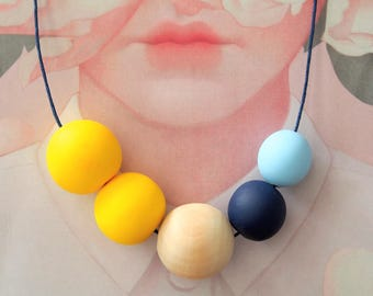 OOAK Handmade Polymer Clay Necklace - Five Bead Woody One - Belgium Collection