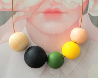 OOAK Handmade Polymer Clay Nacklace - Five Bead Woody Blush - Belgium Collection