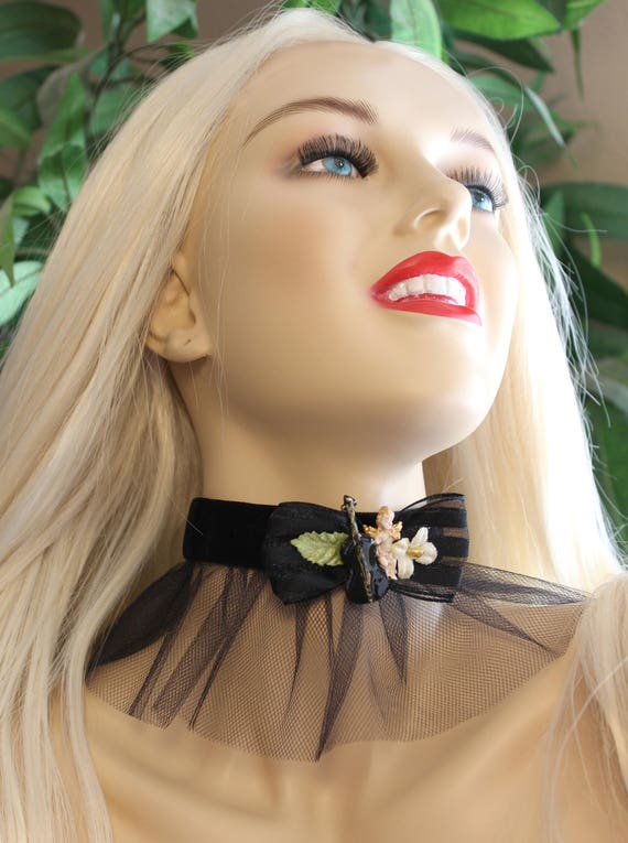 Violin Noir Cherub Tutu Ribbon Choker Necklace