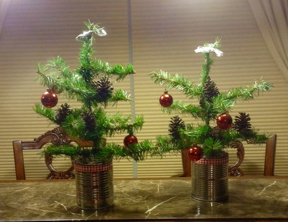 Primitive Christmas Tree.Primitive Valentine Trees Rustic Christmas Trees Christmas Trees In Can Pinecone Trees Red Ornament Tree Primitive Christmas Trees
