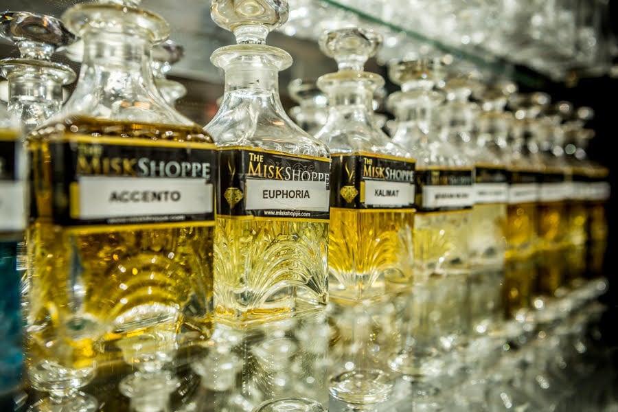 Oudh Mummayez concentré de parfum à lhuile / Attar / parfum