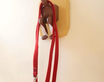 Bottoms Up Dog Leash Holder