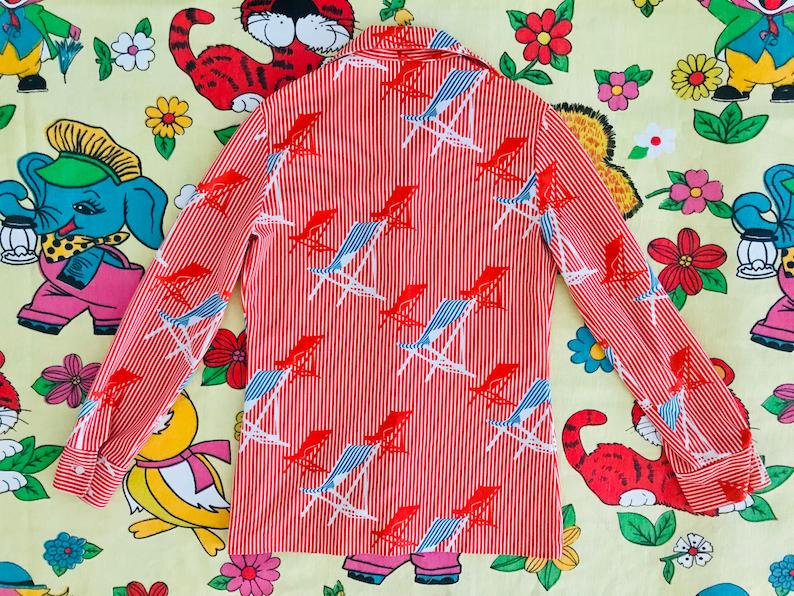Women\u2019s S Polyester stretch knit Vintage 1970\u2019s psychedelic stripe beach deck-chair pattern shirt