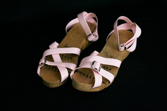 Vintage 1950's Flexiclogs - Baby Pink  - Rare - W… - image 4