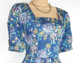 a06485bed07097 Laura Ashley Vintage 1990 romantische Floral Baumwolle Sateen Sonderkleid  UK, 14
