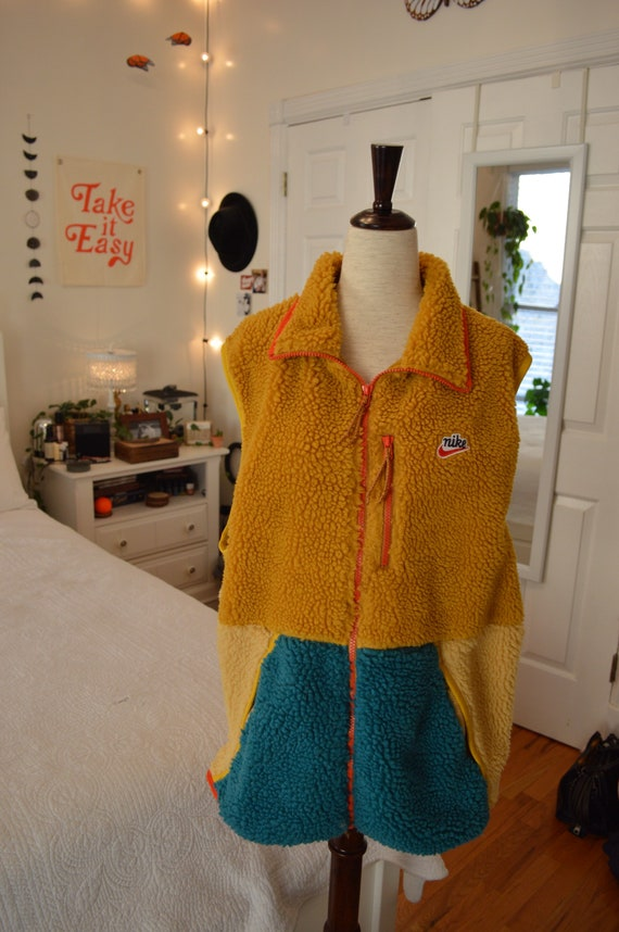 Nike Color Block Sherpa Vest (Mustard/Teal)