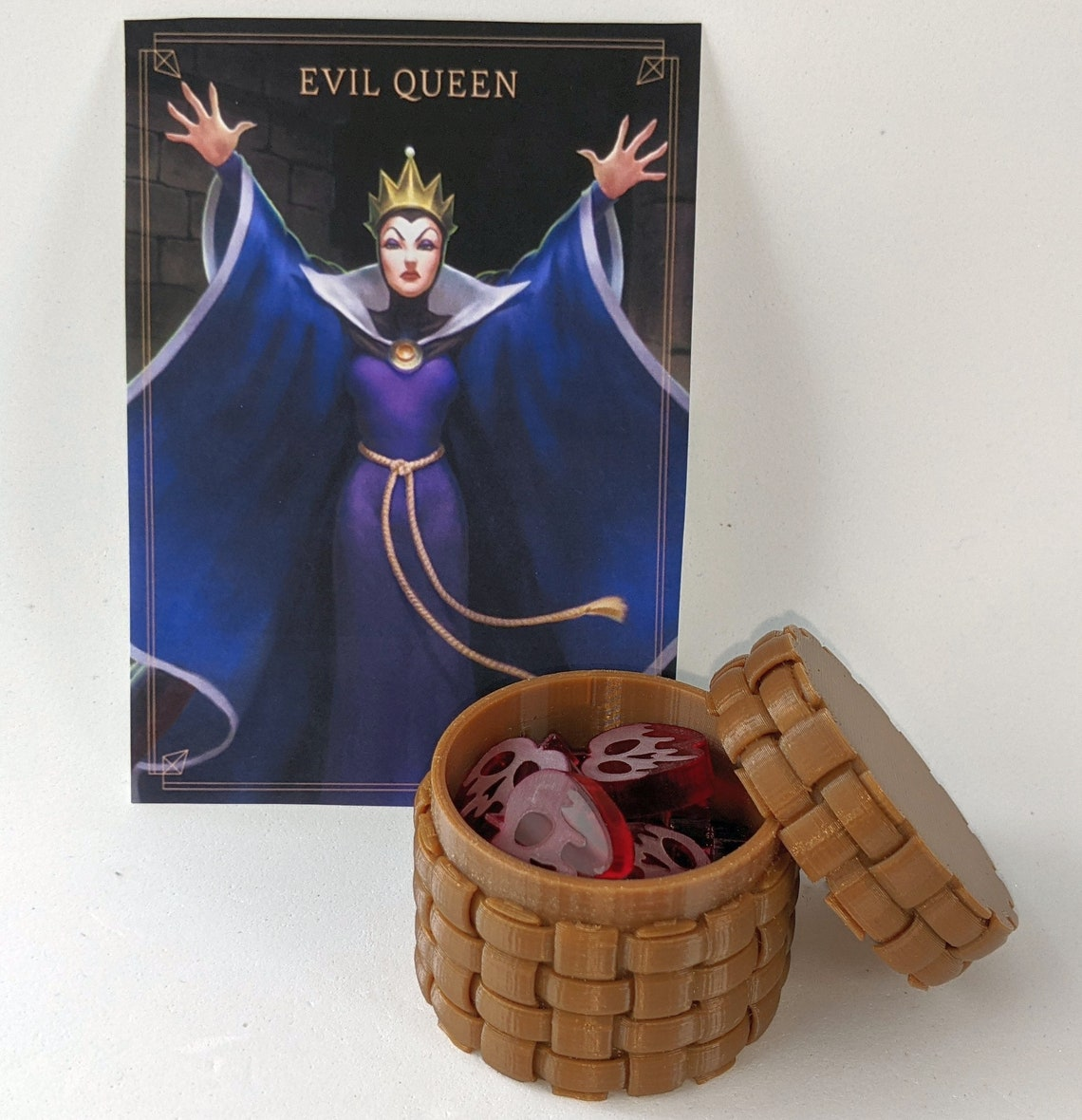Evil Queen's Upgrade for Villainous (16 tokens + container)