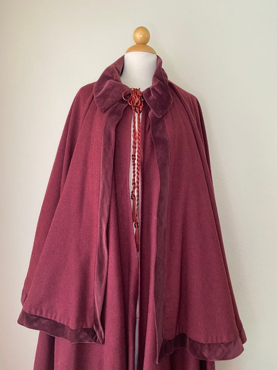 Vintage Burgundy Wool Double Victorian Dickens Carolers Deluxe Masquerade Cape