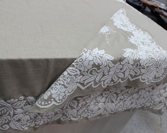 Linen tablecloth and  two napkins